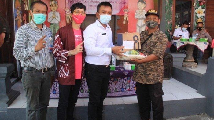Wabup Jembrana Patriana Ucapkan Terimakasih Pada Donatur, Beri Bantuan Warga Terdampak Covid-19