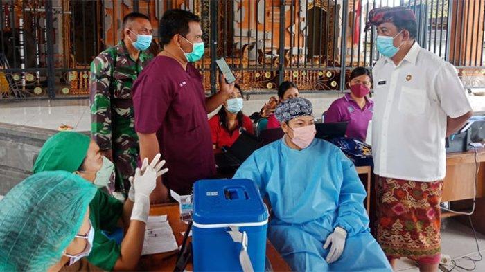 Data Vaksinasi Covid-19 di Desa Nyanglan Belum Sinkron, Wabup Klungkung Minta Dinkes Turun Mengecek