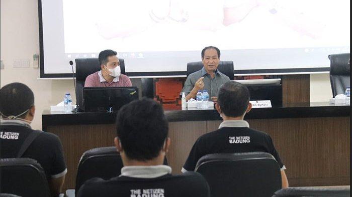 "Wabup Suiasa Apresiasi Penggiat Media Sosial ""The Netizen Badung"""