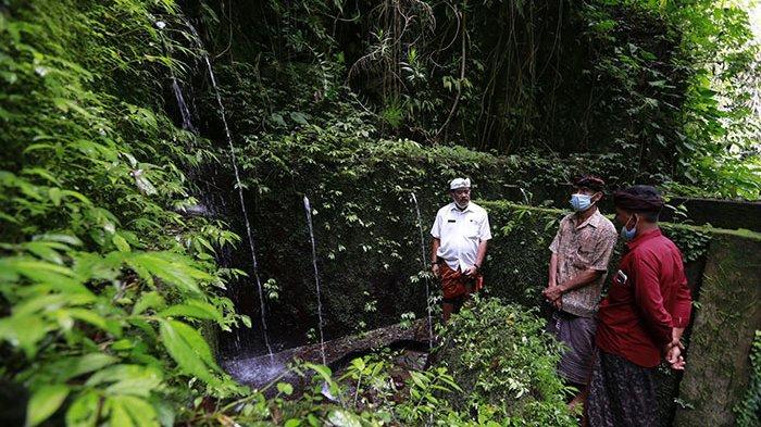 Wabup Klungkung Lirik Potensi Mata Air Pura Beji Dusun Jungut, Debit Air Sampai 19 Liter per Detik