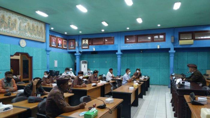 Dalam Rapat Intern Anggota Dewan Diminta Turun Awasi Proyek Pembangunan dan Penanganan Covid-19
