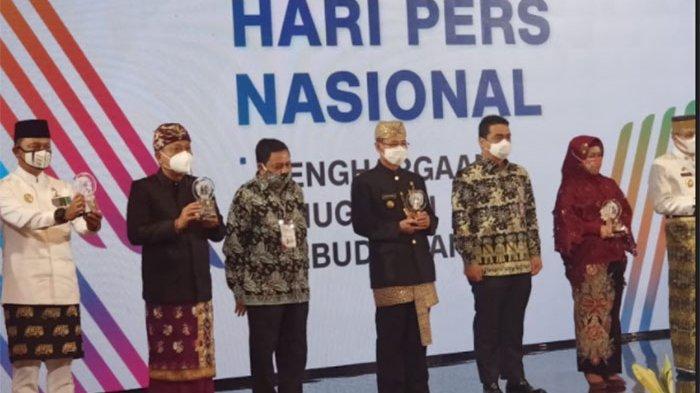 Walikota Denpasar Rai Mantra Terima Anugerah Kebudayaan PWI Pusat