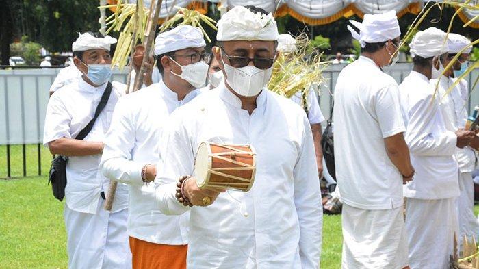Walikota Jaya Negara dan Wawali Agus Arya Wibawa Hadiri Tawur Agung Kesanga Jelang Nyepi di Denpasar