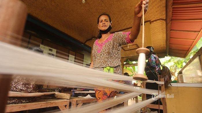 25 Tahun Ditinggalkan, Pembuatan Tenun di Pejeng Gianyar Kembali Bangkit Saat Pandemi Covid-19