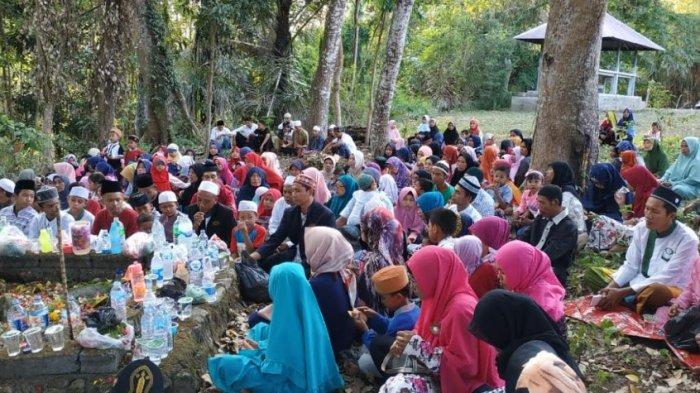 Kampung Muslim di Bali, Kisah Balok Sakti di Kecicang Islam dan Tempat Penggal Kepala di Dangin Seme