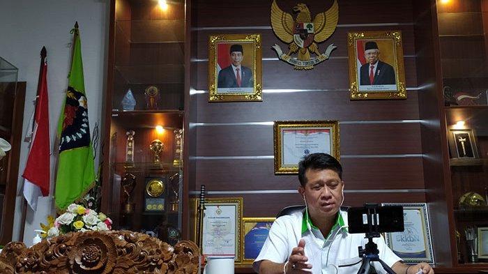 Jadi Narasumber Webinar, Bupati Suwirta Paparkan Peran Pemerintah dalam Memajukan Koperasi