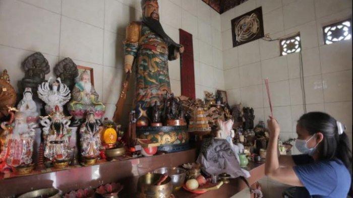 Jro Gede Kuning Bangun Kelenteng Sing Bie di Denpasar Bali, Setiap Saraswati Dilaksanakan Odalan