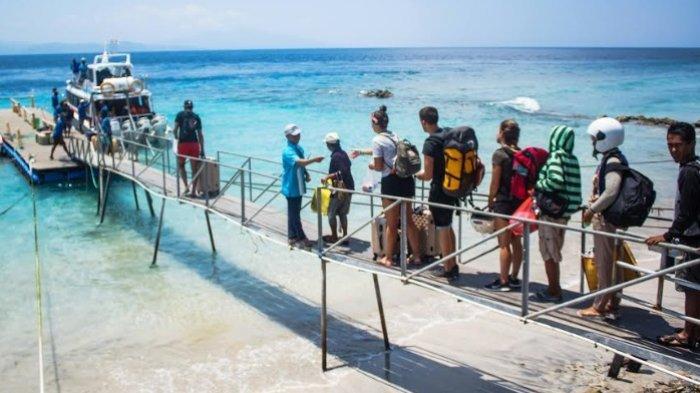Mulai Besok Wisatawan Asing ke Nusa Penida Dikenai Retribusi