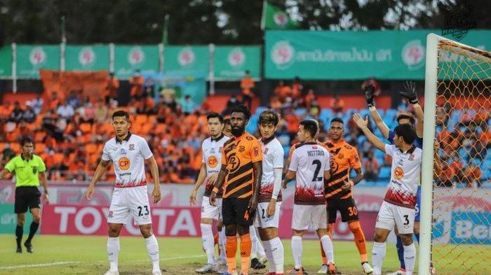 Finish di Posisi 10 Liga Thailand, Yanto Basna Hengkang dari PT Prachuap FC?
