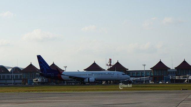 pesawat-sriwijaya-air-saat-hendak-lepas-landas-dari-bandar-udara-i-gusti-ngurah-rai.jpg