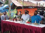 anggota-komisi-ii-dprd-bali-kade-darmasusila-dengan-mendatangi-komunitas-nelayan.jpg