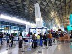 antrean-layanan-rapid-test-antigen-terjadi-di-bandara-soekarno-hatta.jpg