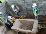 balai-arkeologi-bali-saat-meninjau-salah-satu-sarkofagus-yang-ditemukan-di-buleleng.jpg
