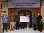 bank-bri-kantor-wilayah-denpasar-menyerahkan-dana-bantuan-pendidikan-beasiswa.jpg