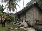 bantuan-bedah-rumah-komunitas-relawan-jembrana-ke-kakek-rajak.jpg