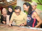 berkah-b-fest-perajin-batik-banyuwangi-nikmati-kenaikan-omset-ratusan-persen_20181030_204148.jpg