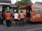 bpbd-denpasar-evakuasi-jenazah-wn-rusia.jpg