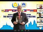 bpjamsostek-dianugerahi-penghargaan-investment-governance-award.jpg