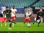 bruno-fernandes-mencetak-gol-penalti-untuk-manchester-united.jpg