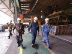 bsn-meninjau-pabrik-baja-lembaran-panas-hot-strip-mill-di-kawasan-industri-pt-krakatau-steel.jpg