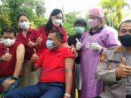 bupati-gianyar-made-mahayastra-usai-melakukan-vaksinasi-covid-19.jpg