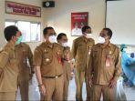 bupati-tabanan-dr-i-komang-gede-sanjaya-meninjau-kegiatan-vaksinasi-untuk-siswa.jpg
