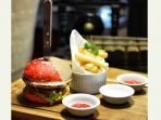 burger-merah-putih-resaturant-jempiring-aston-denpasar_20180731_183238.jpg