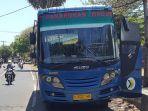 bus-perintis-rute-penarukan-tamblang-dausa-saat-mangkal-di-desa-giri-emas.jpg