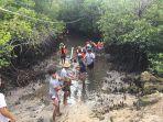 dlhk-kabupaten-badung-saat-membersihkan-kawasan-mangrove-pada-senin-30112020.jpg