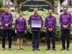 dpmptspkabupaten-badung-menerimapenghargaan-public-service-award-of-the-year-bali-2020.jpg