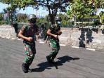 dua-anggota-tni-kodim-1609buleleng-saat-menjalani-hukuman-disiplin-militer.jpg