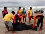 evakuasi-bule-kolombia-yang-hanyut-terbawa-ombak-di-pantai-kuta.jpg