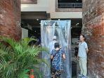 foto-bilik-disinfektan-di-pasar-badung.jpg