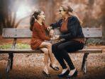 foto-ilustrasi-anak-dan-ibunya-mengenakan-kacamata.jpg
