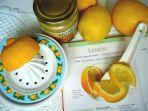 foto-ilustrasi-madu-dan-lemon-untuk-membersihkan-wajah.jpg