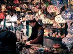 foto-ilustrasi-pria-yang-sedang-berbelanja.jpg