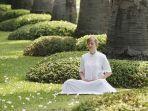 foto-ilustrasi-seorang-wanita-yang-sedang-menjalankan-meditasi.jpg