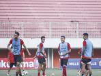 foto-skuat-bali-united-saat-berlatih-di-stadion-maguwoharjo.jpg