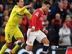 gelandang-spanyol-villarreal-daniel-parejo-kiri-bersaing-dengan-striker-manchester-united.jpg