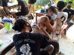 geng-tattoo-nusa-saat-menggelar-kontes-tato-bertajuk-nusa-penida-tattoo-party.jpg