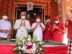 gubernur-bali-i-wayan-koster-didampingi-bupati-tabanan-i-komang-gede-sanjaya-foto-bersama.jpg