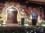 gubernur-bali-wayan-koster-saat-menghadiri-peringatan-hut-persatuan-guru-republik-indonesia-pgri.jpg