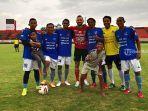 ilija-spaso-striker-bali-united-bersama-para-eks-bali-devata-2011.jpg