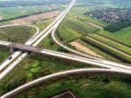 jalan-tol-trans-jawa-di-simpang-susun-bandar-surabaya-mojokerto-di-jawa-timur.jpg