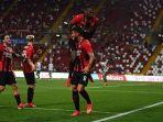 jelang-serie-a-liga-italia-20212022-ac-milan-petik-kemenangan-2-1-atas-panathinaikos-giroud-2-gol.jpg