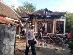 kebakaran-menghanguskan-sebuah-rumah-di-desa-batukandik.jpg