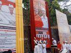kedua-pasangan-calon-ketika-membuka-baliho-kampanye-di-depan-kantor-kpu-bangli.jpg