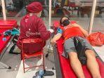 kegiatan-donor-darah-yang-diadakan-utd-pmi-kota-denpasar-di-transmall.jpg