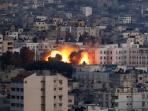 kepulan-asap-di-palestina-saat-tentara-israel-menyerbu-2.jpg