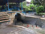 keseruan-anak-anak-saat-mandi-di-tukad-bindu-denpasar-selasa-5-oktober-2021.jpg